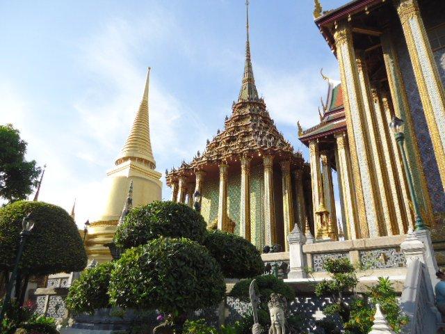 Wat Pho in Bangkok. Photo credit: www.jeyjetter.com
